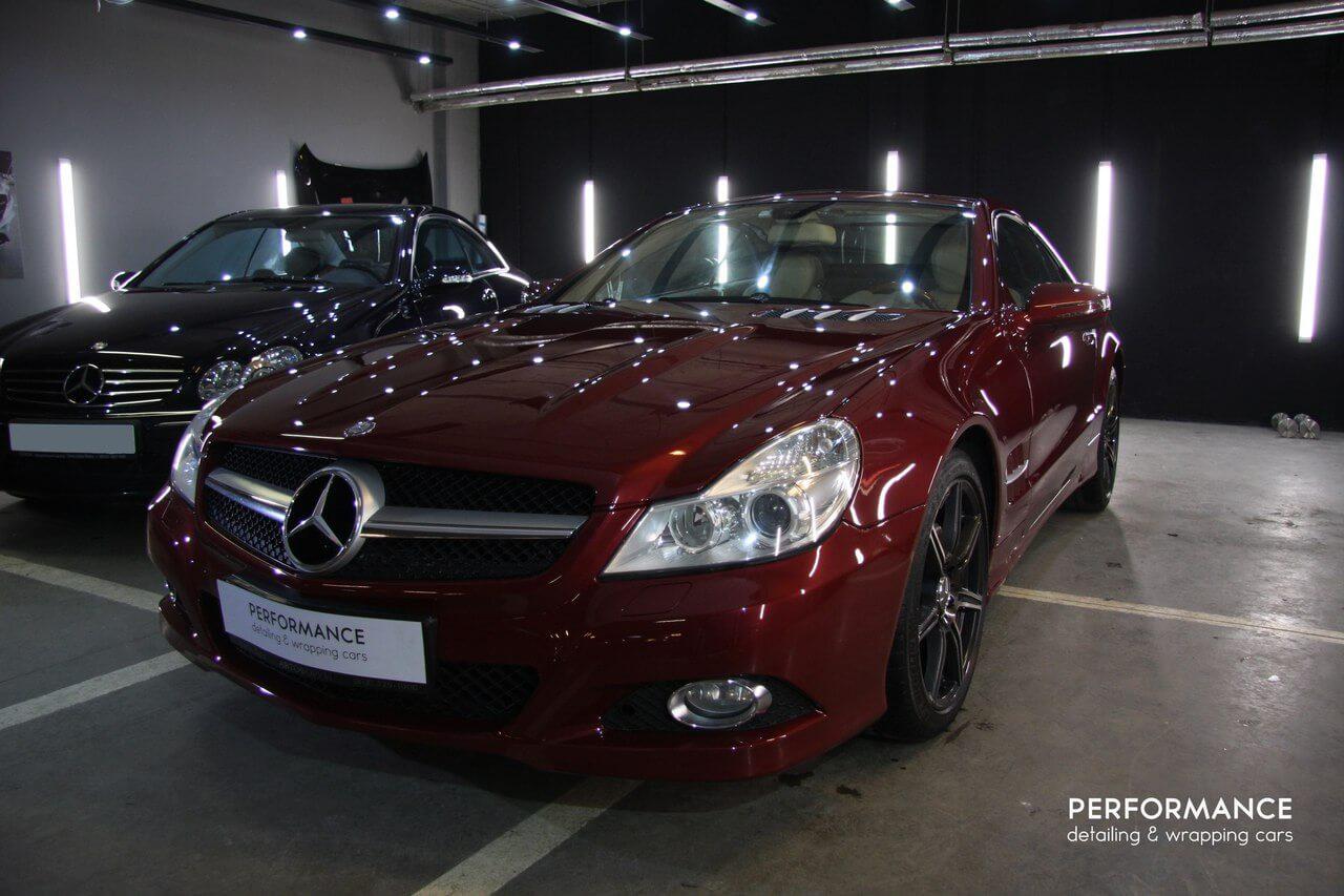 Нанесение Ceramic Pro 9H и детейлинг салона автомобиля Mercedes Benz SL