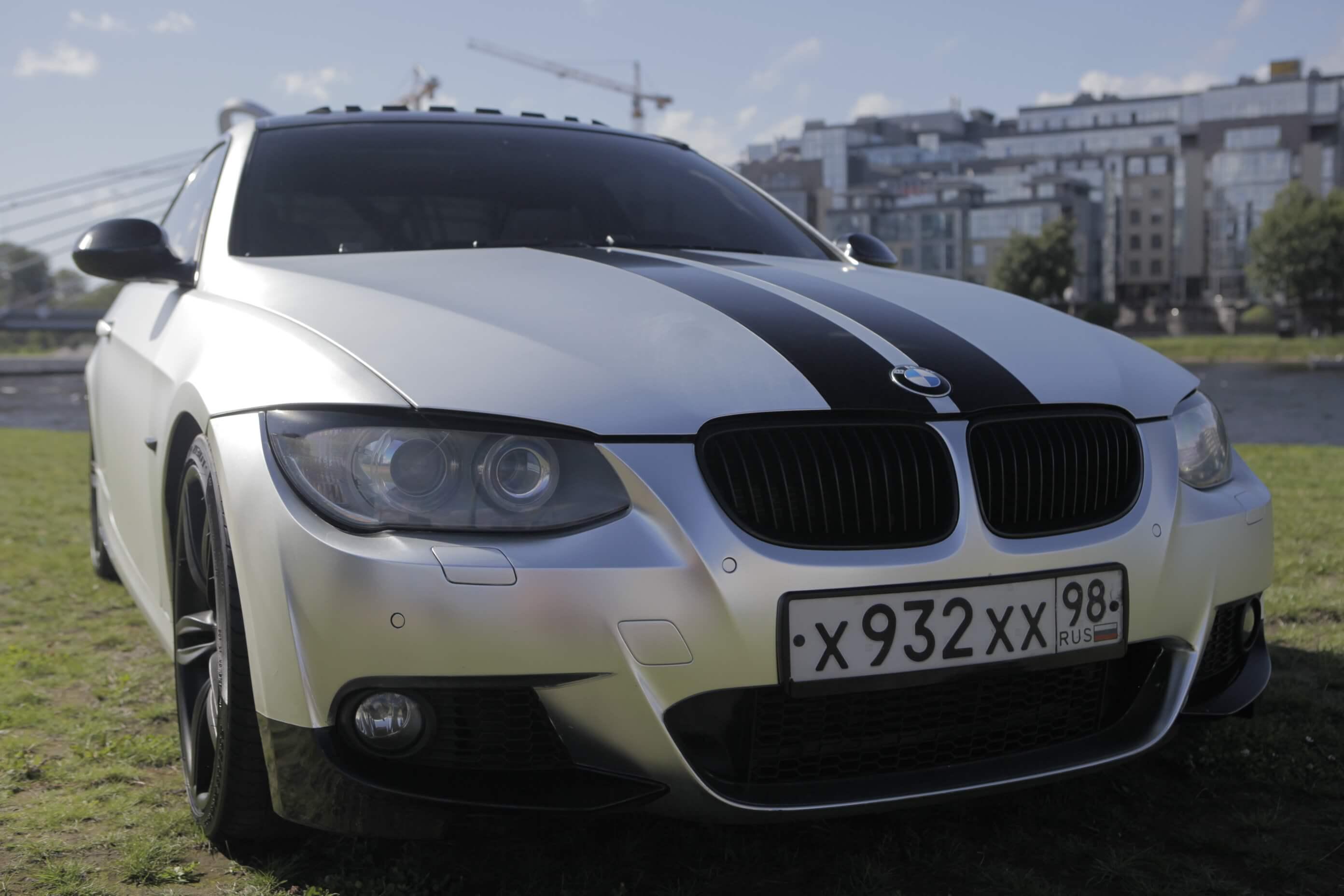 Оклейка матовой пленкой и тонировка BMW 335