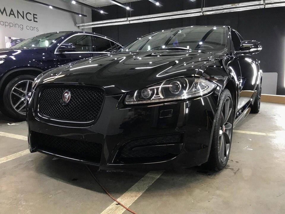 Нанесение жидкого стекла и оклейка хрома у Jaguar XJ