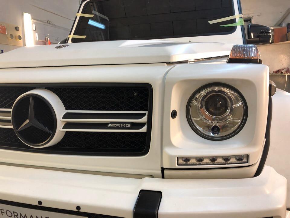 Оклейка виниловой пленкой, тонировка и пакет антихром для Mercedes Benz G 6.3