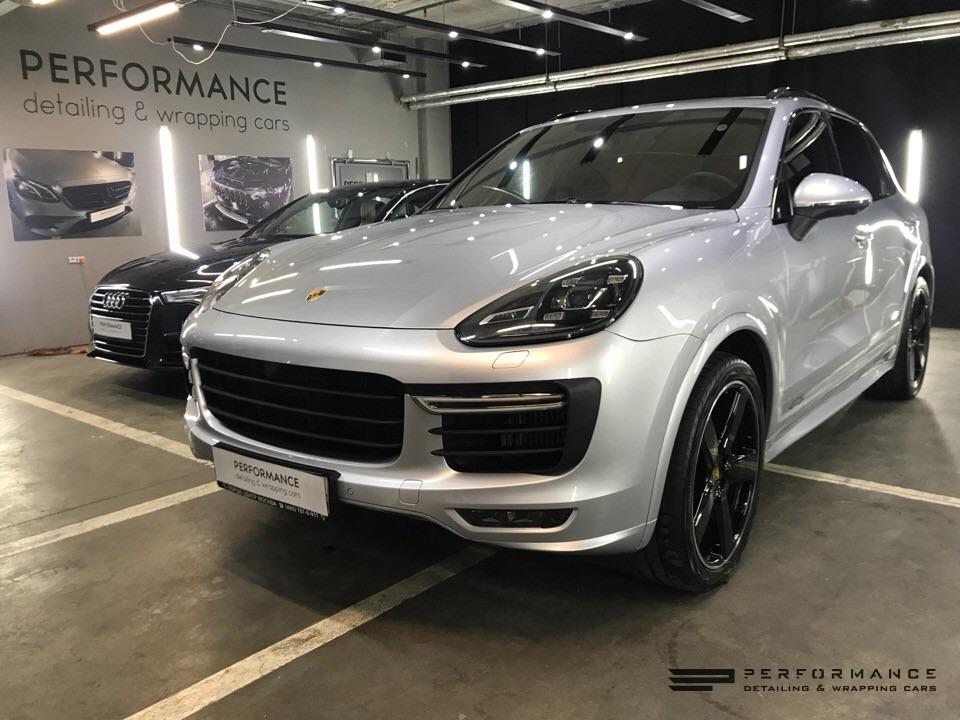 Фото Porsche Cayenne достоин правильной защиты