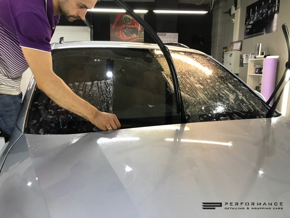 Оклейка антигравийной пленкой Porsche Cayenne