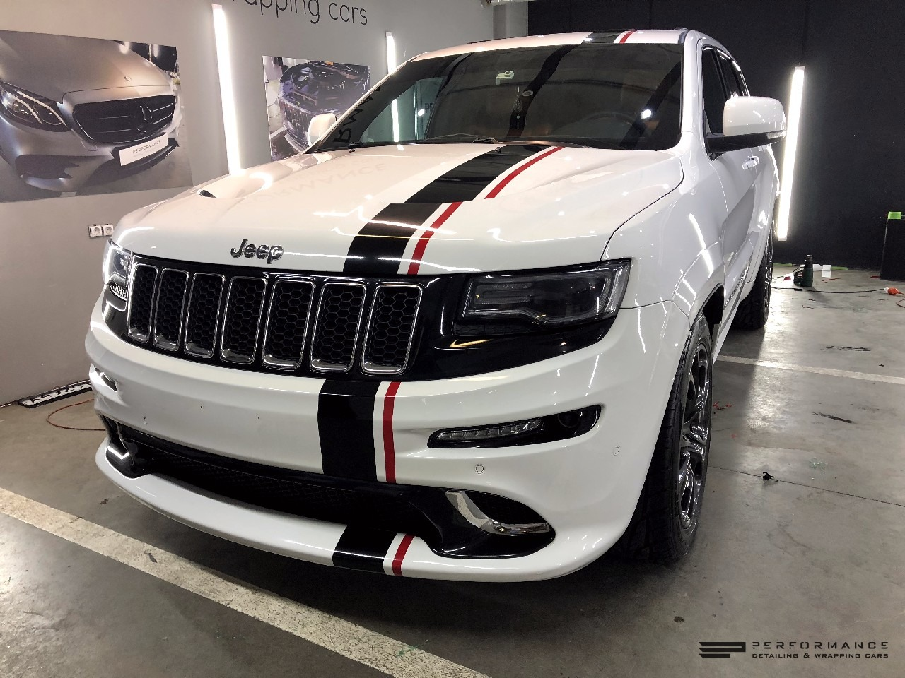 Фото Спортивное настроение для Jeep Grand Cherokee STR