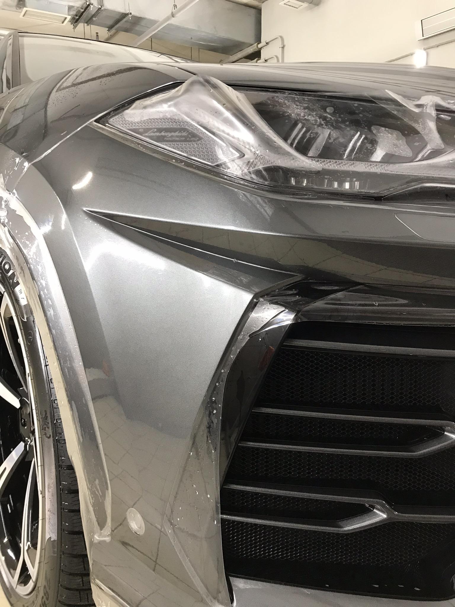Оклейка передней части автомобиля Lamborghini Urus полеуретановой пленкой