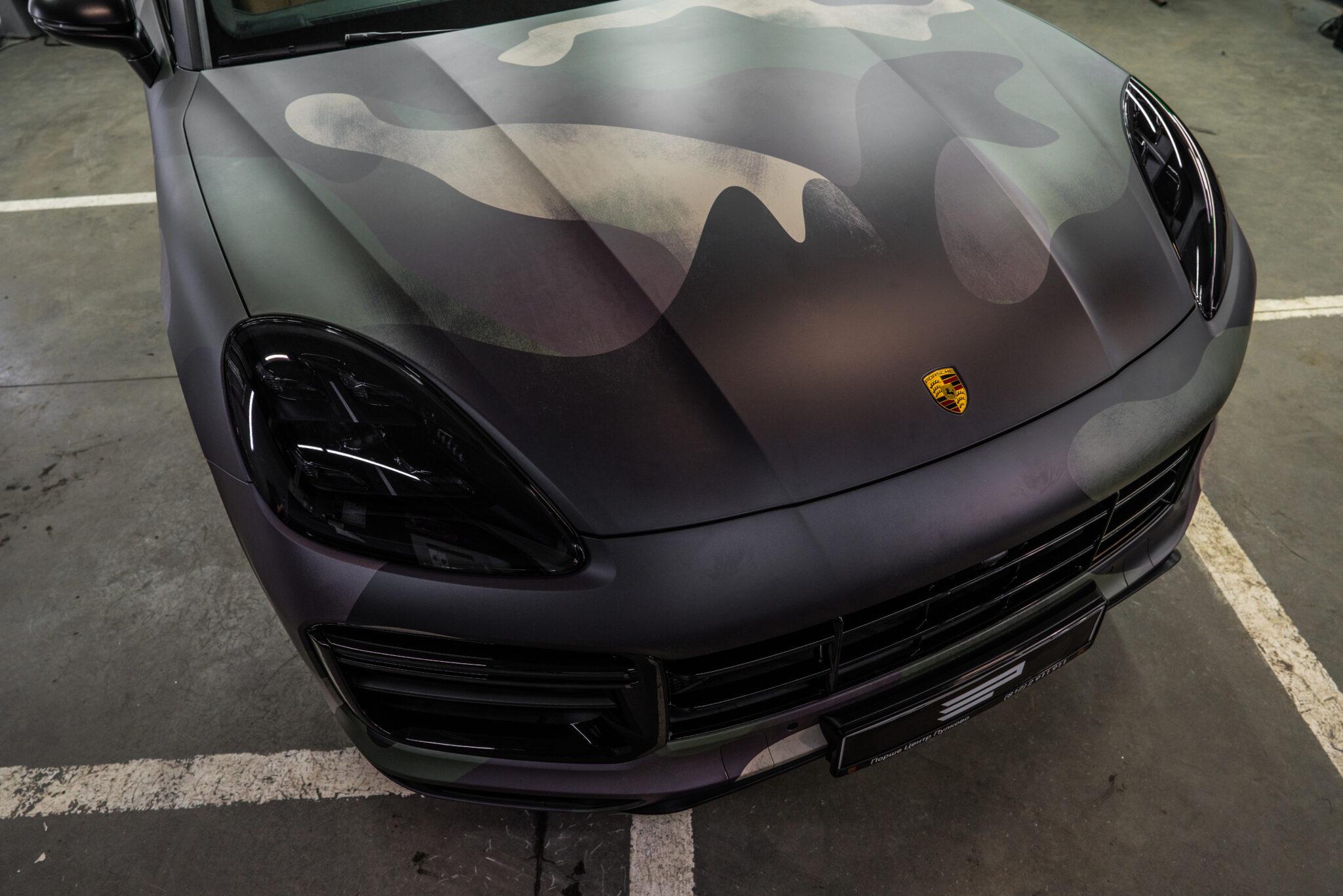 Оклейка кузова Porsche Cayenne в камуфляж