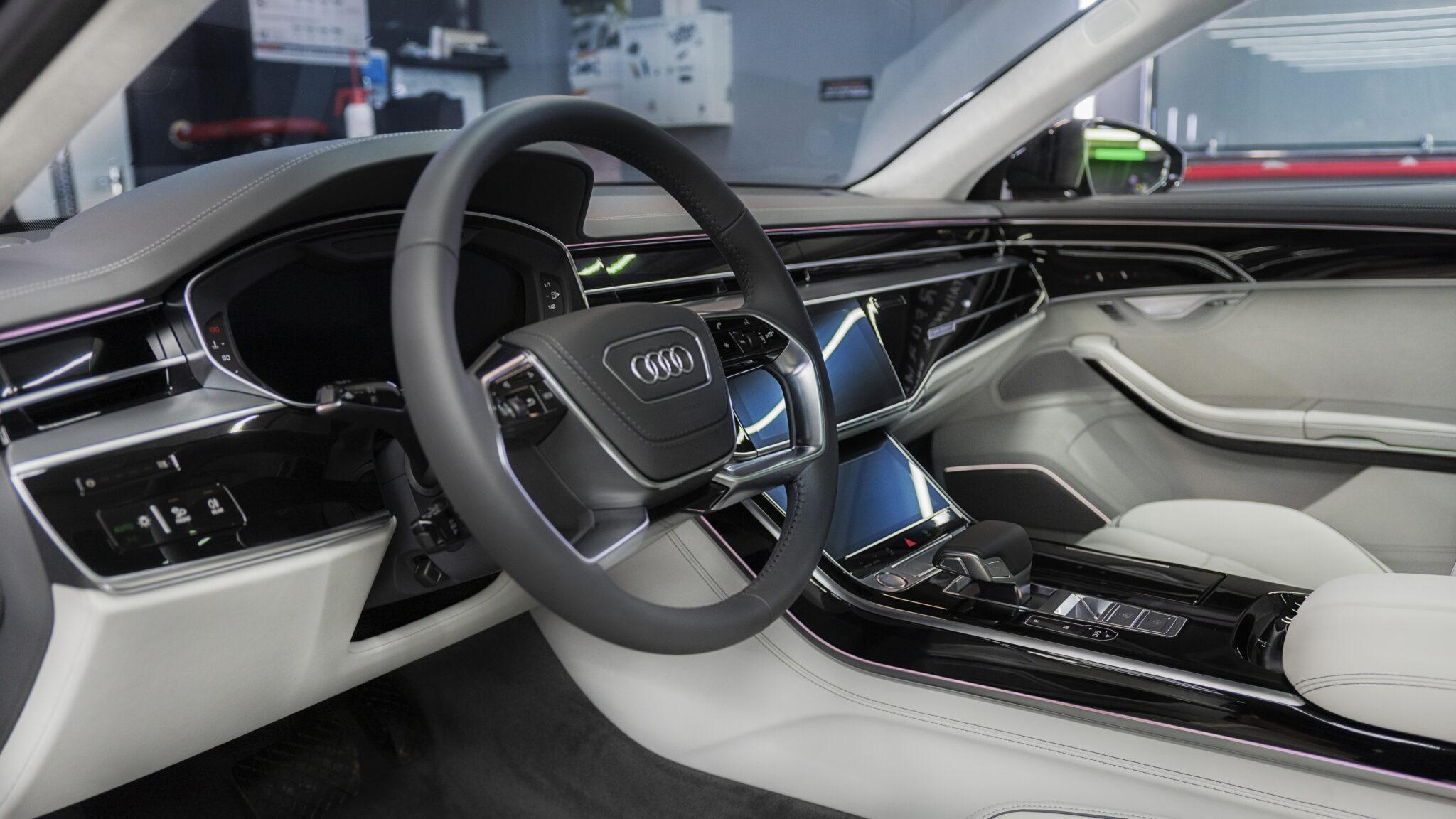 Оклейка кузова Audi A8 защитной пленкой
