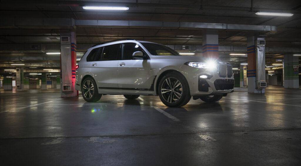 Оклейка кузова BMW X7 полиуретановой пленкой